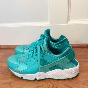 Size 12 Nike Women's Huaraches